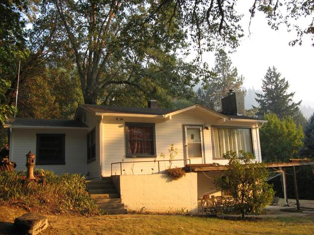7945 Rogue River Highway #10299319, Grants Pass, OR 97527 (MLS #220132578) :: Bend Relo at Fred Real Estate Group