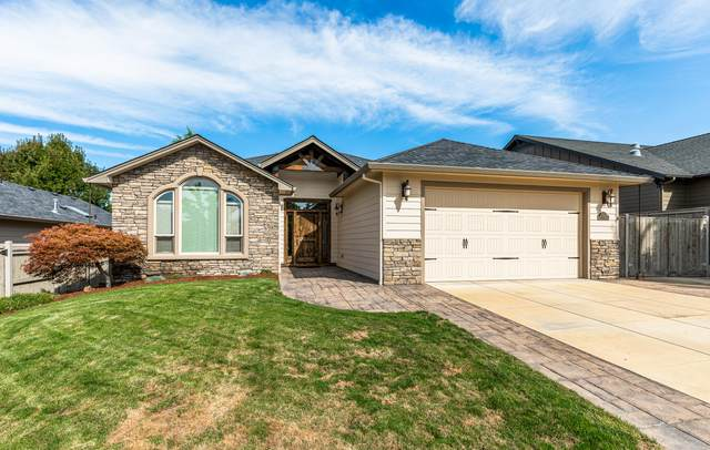 3777 Windgate Street, Medford, OR 97504 (MLS #220132595) :: Bend Relo at Fred Real Estate Group