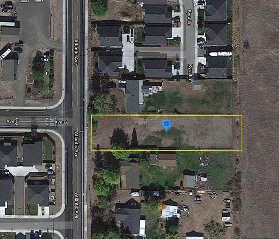 8284 Atlantic Avenue, White City, OR 97503 (MLS #220132603) :: Fred Real Estate Group of Central Oregon