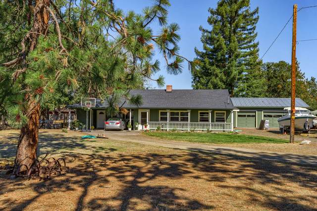 646 Wilson Road, Central Point, OR 97502 (MLS #220132605) :: Coldwell Banker Bain