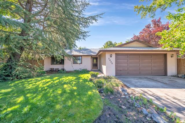 2606 Delta Waters Road, Medford, OR 97504 (MLS #220132615) :: Bend Relo at Fred Real Estate Group