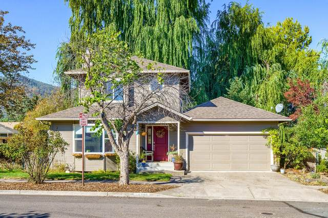 1399 Mill Pond Road, Ashland, OR 97520 (MLS #220132634) :: Bend Relo at Fred Real Estate Group