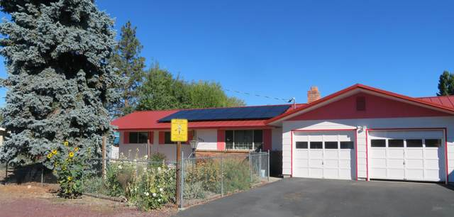 5425 Bel Aire Drive, Klamath Falls, OR 97603 (MLS #220132657) :: Bend Relo at Fred Real Estate Group