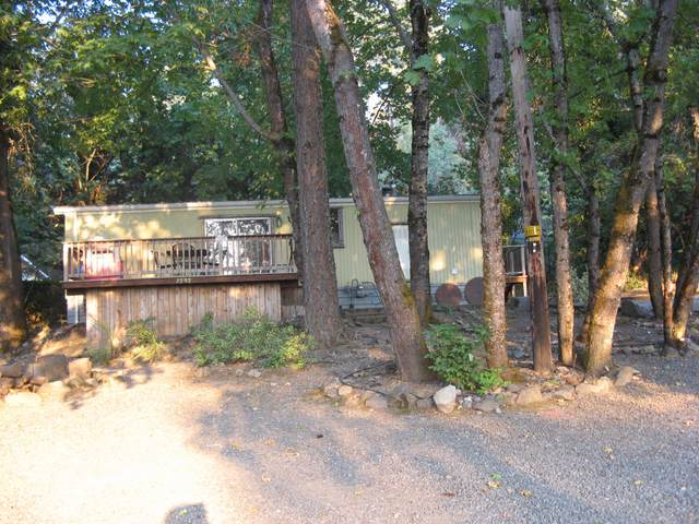 7949 Rogue River Highway, Grants Pass, OR 97527 (MLS #220132706) :: Central Oregon Home Pros