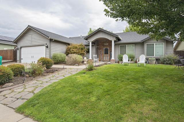 1064 Havenwood Drive, Eagle Point, OR 97524 (MLS #220132716) :: Coldwell Banker Bain