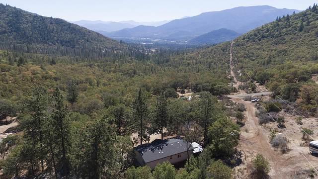 2564 Board Shanty Creek Road, Grants Pass, OR 97527 (MLS #220132722) :: Coldwell Banker Bain