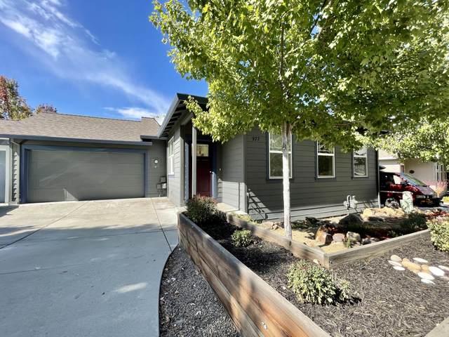 977 Overlook Drive, Ashland, OR 97520 (MLS #220132748) :: Vianet Realty