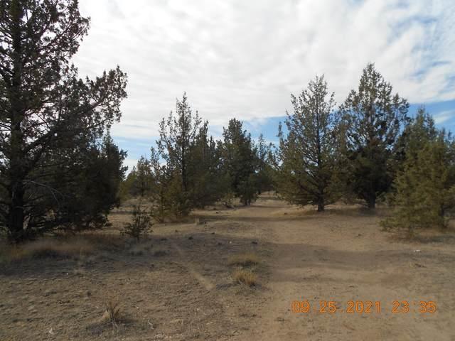 SW Chickadee Road, Terrebonne, OR 97760 (MLS #220132767) :: Team Birtola | High Desert Realty