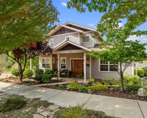 905 Patton Lane, Ashland, OR 97520 (MLS #220132950) :: Bend Homes Now