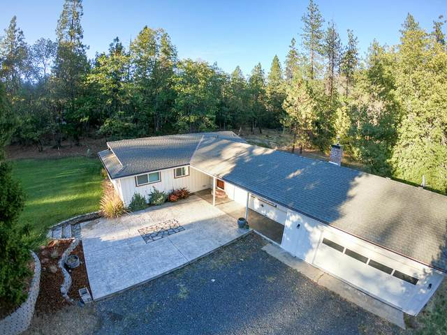 715 Timber Lane, Grants Pass, OR 97526 (MLS #220132971) :: The Ladd Group