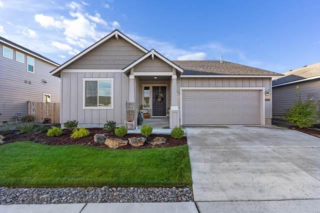 2520 NW Elm Place, Redmond, OR 97756 (MLS #220132990) :: Chris Scott, Central Oregon Valley Brokers