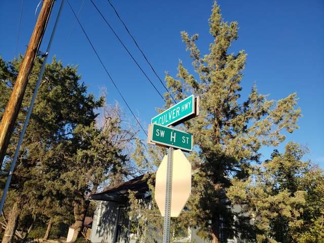 12947 SW Culver Highway, Madras, OR 97741 (MLS #220133009) :: Oregon Farm & Home Brokers