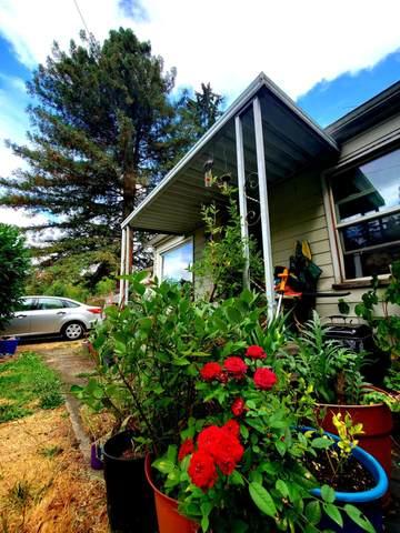 6407 SE May Street, Milwaukie, OR 97222 (MLS #220133013) :: Vianet Realty