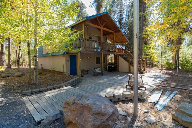 19268 Clear Spring Way, Crescent Lake, OR 97733 (MLS #220133049) :: The Ladd Group