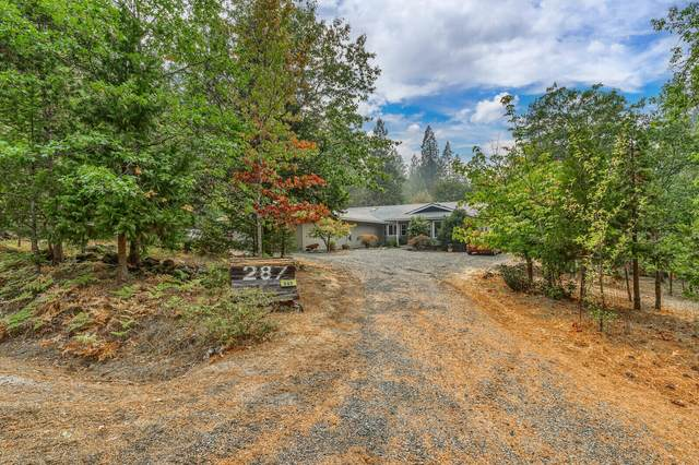 287 Surrey Drive, Grants Pass, OR 97526 (MLS #220133076) :: Schaake Capital Group