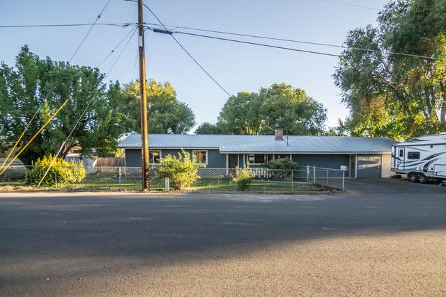 1670 SE Mountain View Drive, Prineville, OR 97754 (MLS #220133132) :: The Bifano Home Team