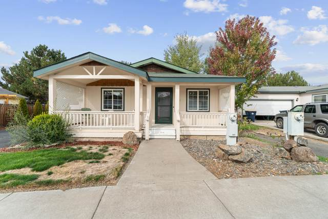 2527 SW Mariposa Loop, Redmond, OR 97756 (MLS #220133148) :: Fred Real Estate Group of Central Oregon