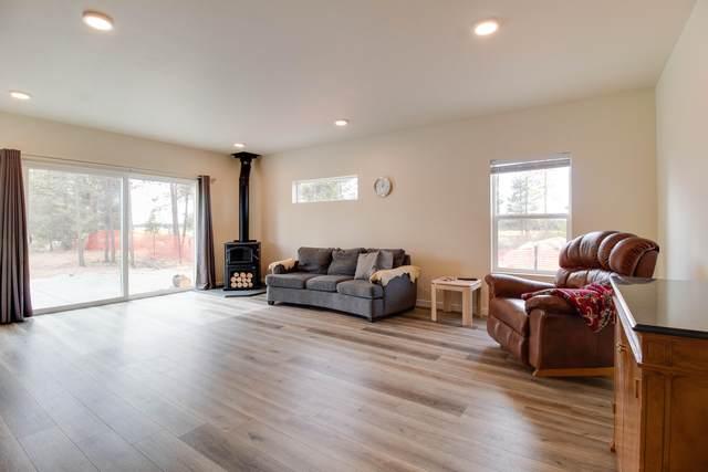 16415 Bassett Road, La Pine, OR 97739 (MLS #220133211) :: The Bifano Home Team