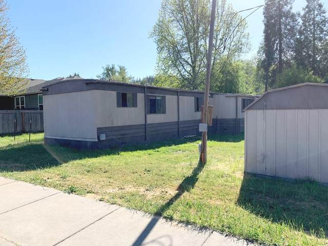 2650 Florer Drive, Grants Pass, OR 97527 (MLS #220133274) :: The Ladd Group