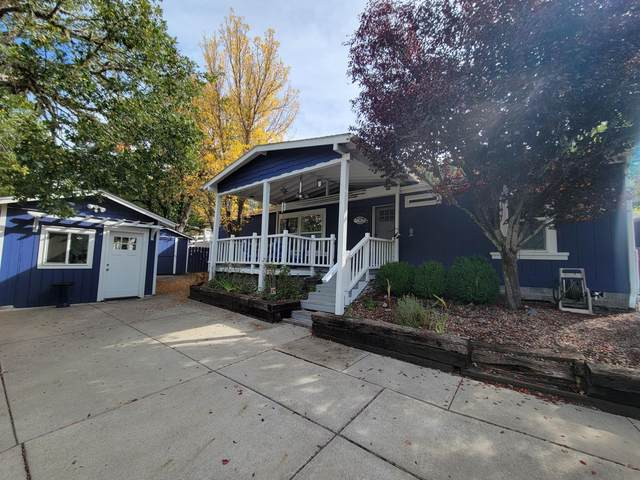 440 Old Ferry Road, Shady Cove, OR 97539 (MLS #220133283) :: Team Birtola | High Desert Realty