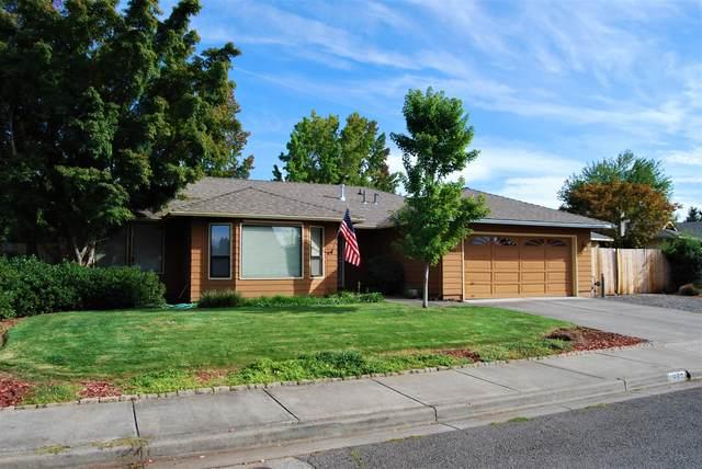 1882 Filmore Drive, Medford, OR 97504 (MLS #220133293) :: FORD REAL ESTATE