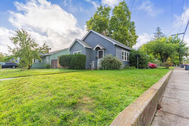 1051 W 11th Street, Medford, OR 97501 (MLS #220133343) :: Bend Homes Now