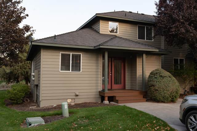 1068 Golden Pheasant Drive, Redmond, OR 97756 (MLS #220133394) :: Vianet Realty