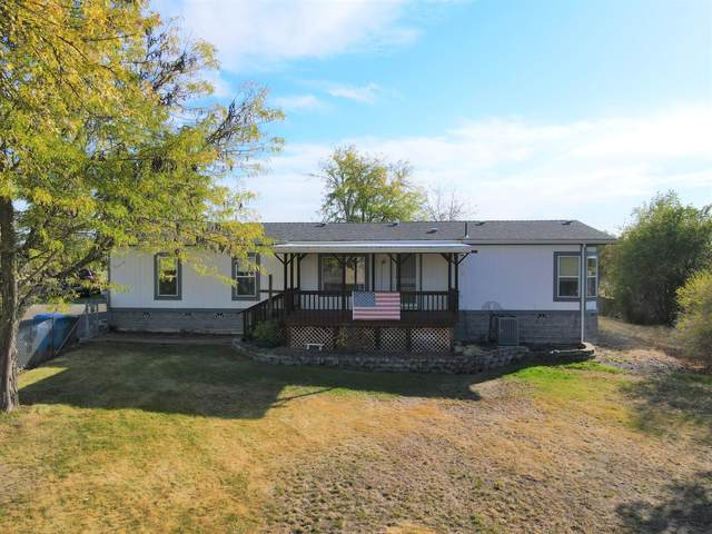 4035 Dodge Road, White City, OR 97503 (MLS #220133395) :: Vianet Realty