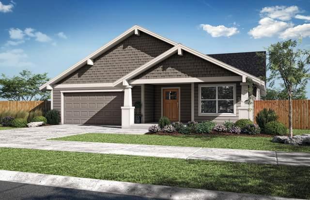 329 NE Nickernut Lane, Redmond, OR 97756 (MLS #220133429) :: Vianet Realty