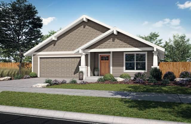 1797 NE 4th Street, Redmond, OR 97756 (MLS #220133431) :: Vianet Realty