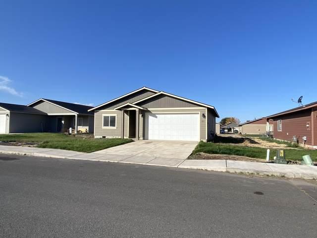 631 Patriot Drive, Metolius, OR 97741 (MLS #220133452) :: Bend Homes Now