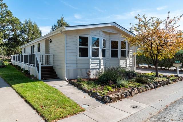 63676 Ranch Village Drive #33, Bend, OR 97701 (MLS #220133454) :: Fred Real Estate Group of Central Oregon