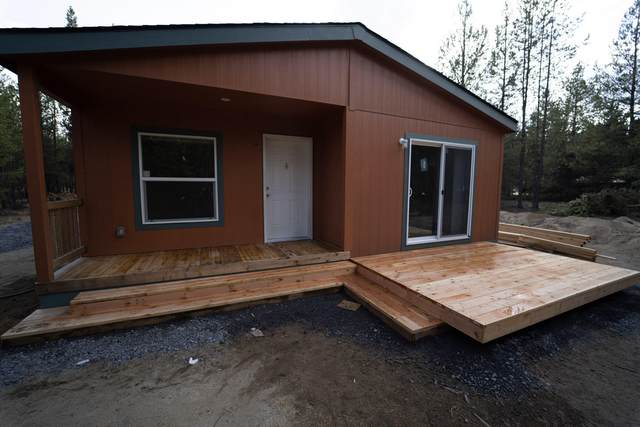 52205 Stearns Road, La Pine, OR 97739 (MLS #220133525) :: The Bifano Home Team
