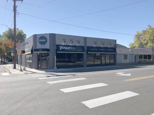 534 E Main Street, Medford, OR 97504 (MLS #220133534) :: Chris Scott, Central Oregon Valley Brokers