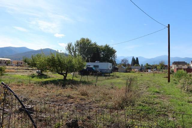 310 S Pacific Highway, Talent, OR 97540 (MLS #220133578) :: Team Birtola | High Desert Realty