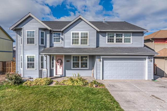 2237 NE 6th Street, Redmond, OR 97756 (MLS #220133584) :: Vianet Realty
