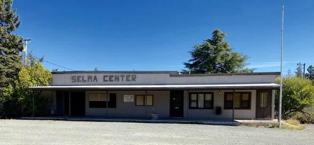 18255 Redwood Hwy Highway, Selma, OR 97538 (MLS #220133594) :: Chris Scott, Central Oregon Valley Brokers