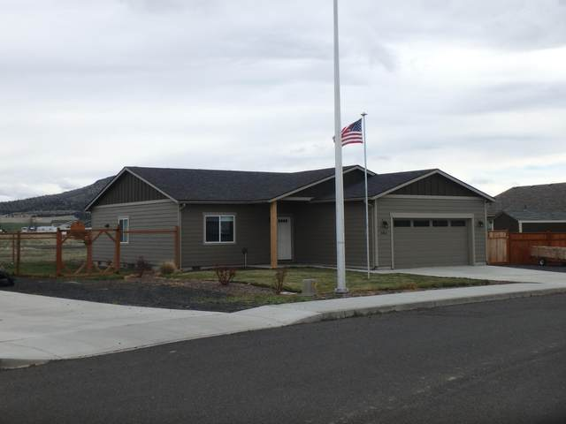 684 E D Street, Culver, OR 97734 (MLS #220133604) :: Berkshire Hathaway HomeServices Northwest Real Estate