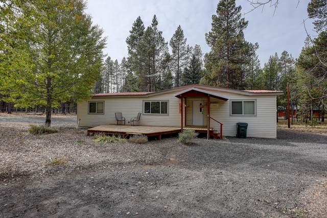 54761 Pinewood Avenue, Bend, OR 97707 (MLS #220133688) :: The Bifano Home Team
