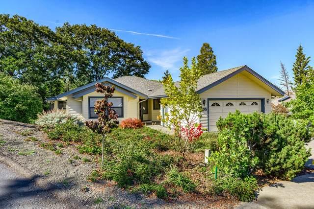 565 Oak Hill Circle, Ashland, OR 97520 (MLS #220133721) :: Vianet Realty