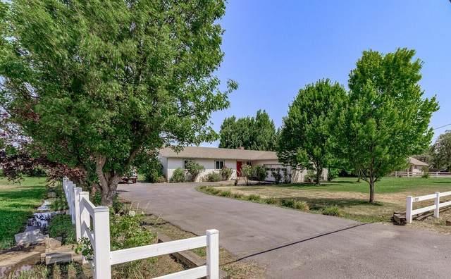 727 Oak Grove Road, Medford, OR 97504 (MLS #220133782) :: Central Oregon Home Pros