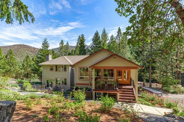 9090 Wagner Creek Road, Talent, OR 97540 (MLS #220133790) :: The Ladd Group