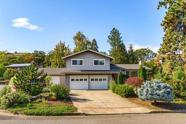571 Oak Knoll Drive, Ashland, OR 97520 (MLS #220133796) :: Coldwell Banker Sun Country Realty, Inc.