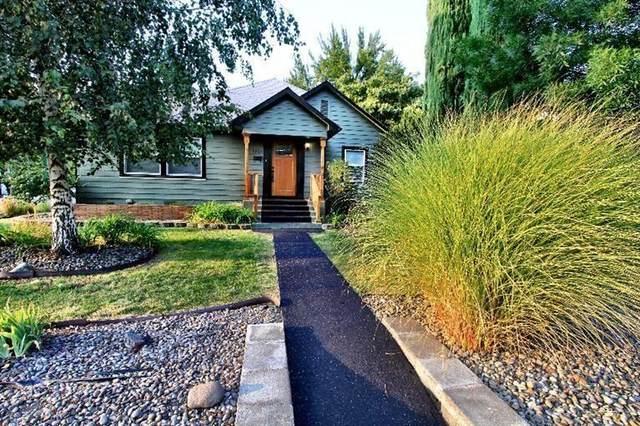 1301 E Main Street, Medford, OR 97504 (MLS #220133804) :: Central Oregon Home Pros