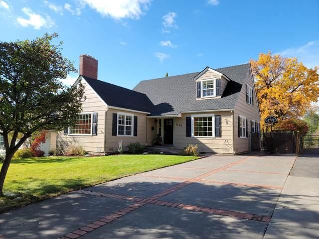 1120 N Eldorado Avenue, Klamath Falls, OR 97601 (MLS #220133815) :: Vianet Realty