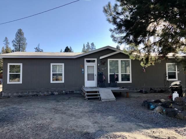 51228 Parker Road, La Pine, OR 97739 (MLS #220133839) :: Vianet Realty