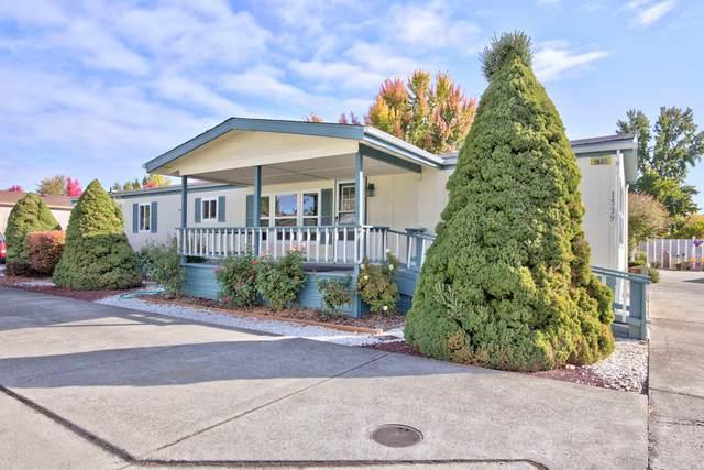 1539 Willow Lane, Grants Pass, OR 97527 (MLS #220133861) :: Vianet Realty