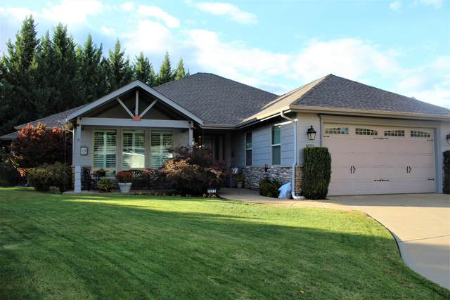 1070 SW Ironwood Drive, Grants Pass, OR 97526 (MLS #220133864) :: The Riley Group