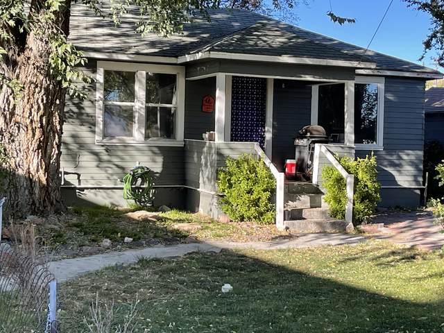 2435 Orchard Avenue, Klamath Falls, OR 97601 (MLS #220133871) :: Vianet Realty