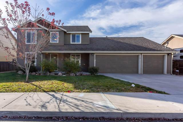 2032 NW Kilnwood Lane, Redmond, OR 97756 (MLS #220133910) :: Coldwell Banker Sun Country Realty, Inc.